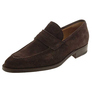 fall-wardrobe_suede-loafer