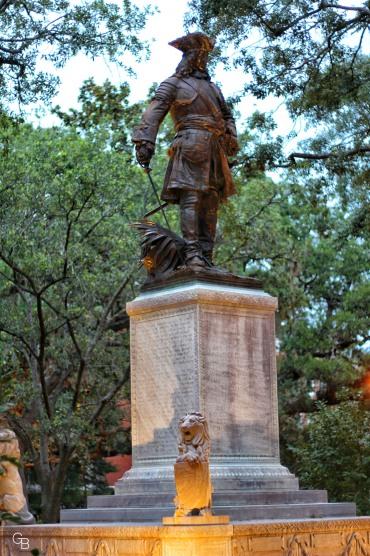 Savannah_statue 2