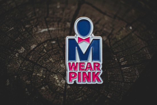 Real Men Wear Pink pin